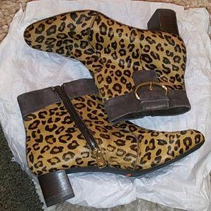 NWOT Rockport leopard boots